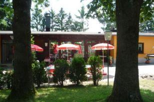 Gaststaetten-Terrasse
